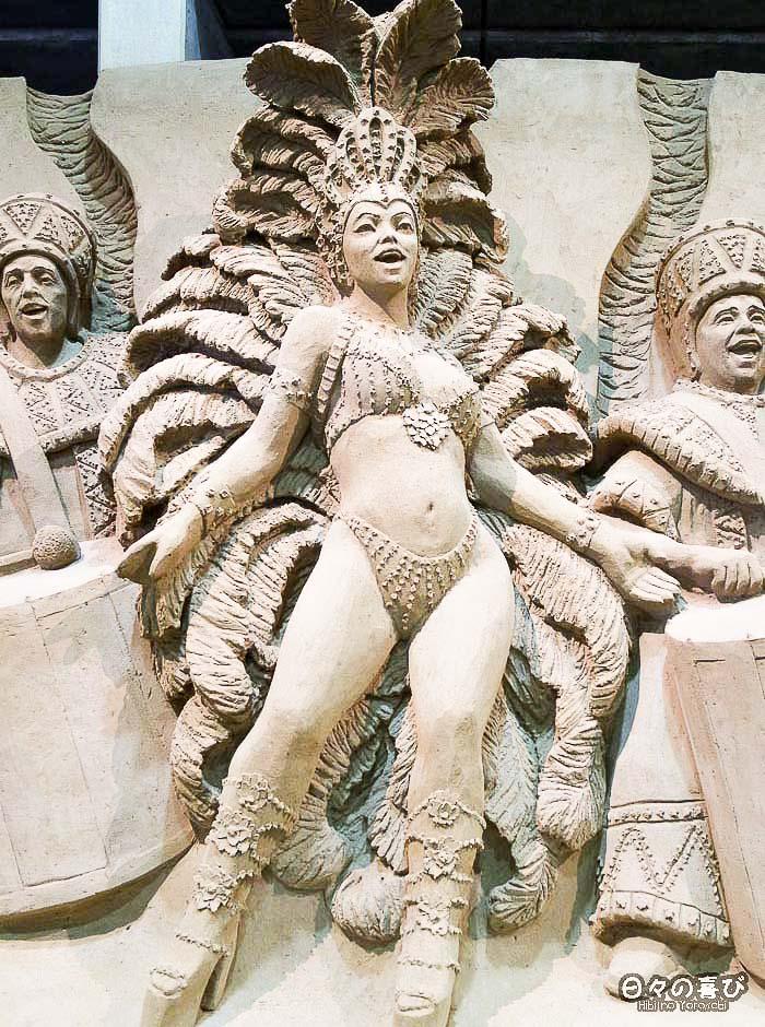 sculpture de sable danseuse carnaval rio