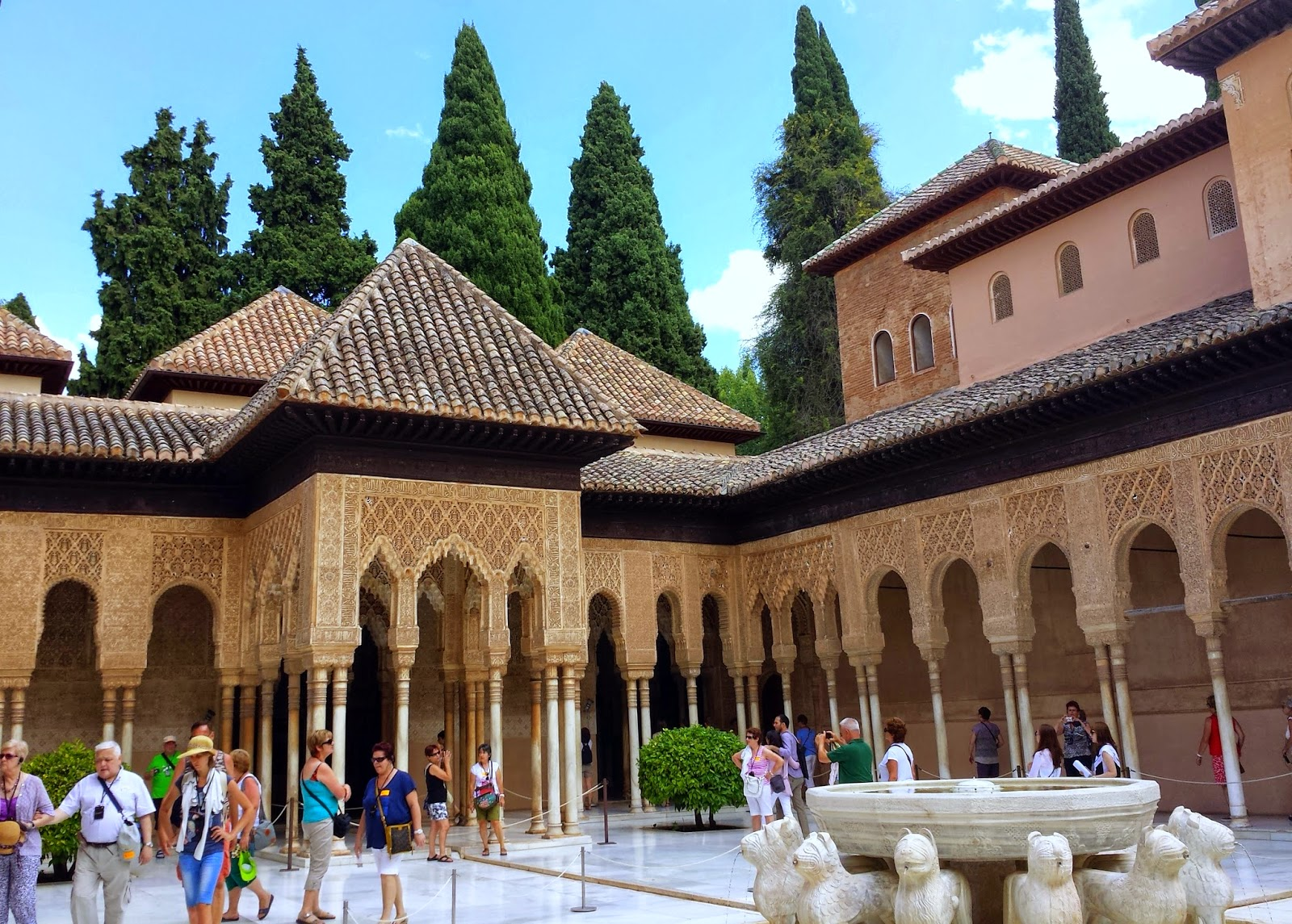 Patio de los Leones at The Alhambra  |  Postcard from Andalucía: Granada and La Alhambra on afeathery*nest  |  http://afeatherynest.com