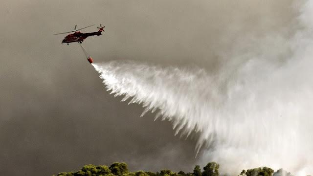 Σε εξέλιξη μεγάλη πυρκαγιά σε εργοστάσιο πλαστικών στη Μεταμόρφωση Αττικής