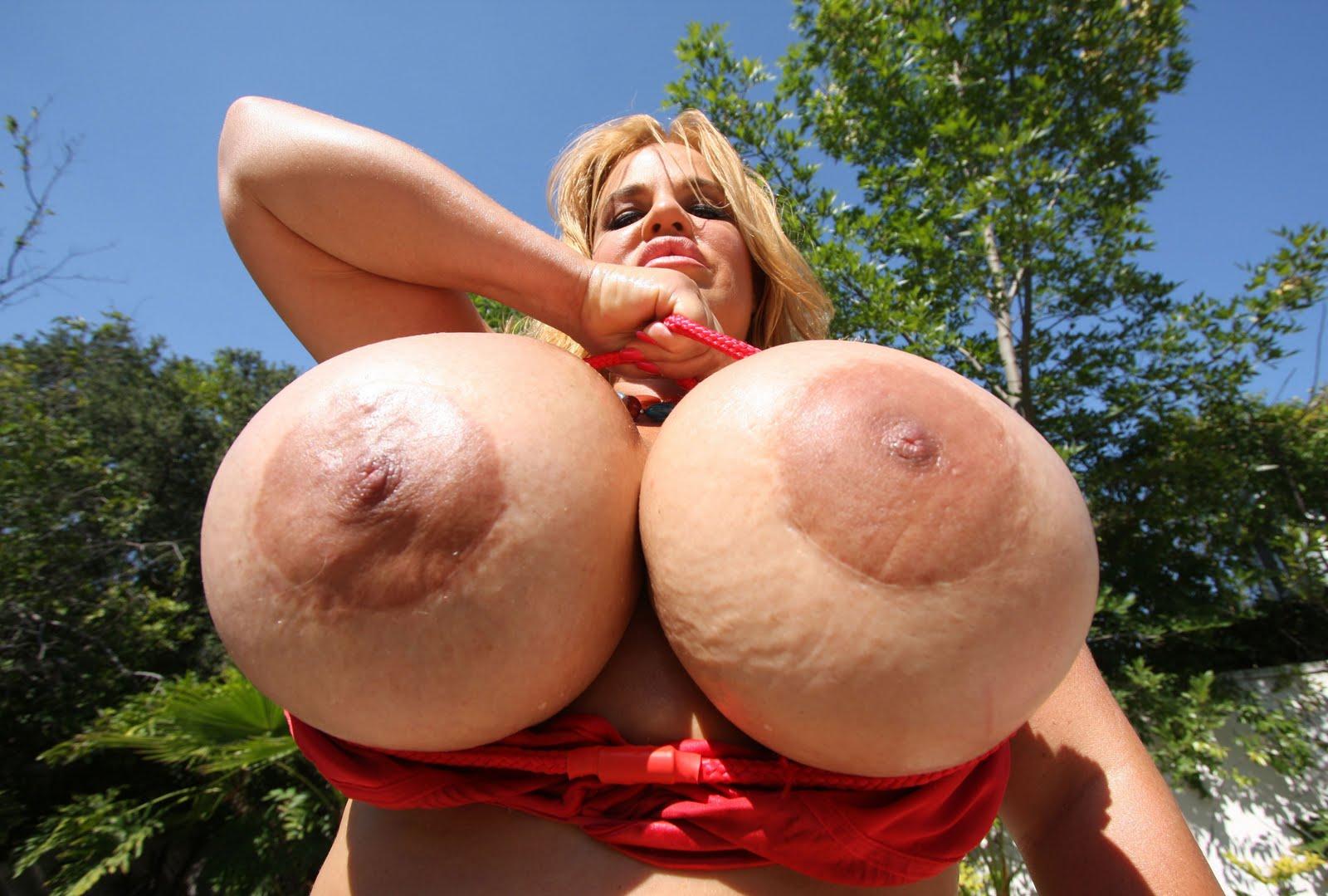 порно самые гигантские сиськи