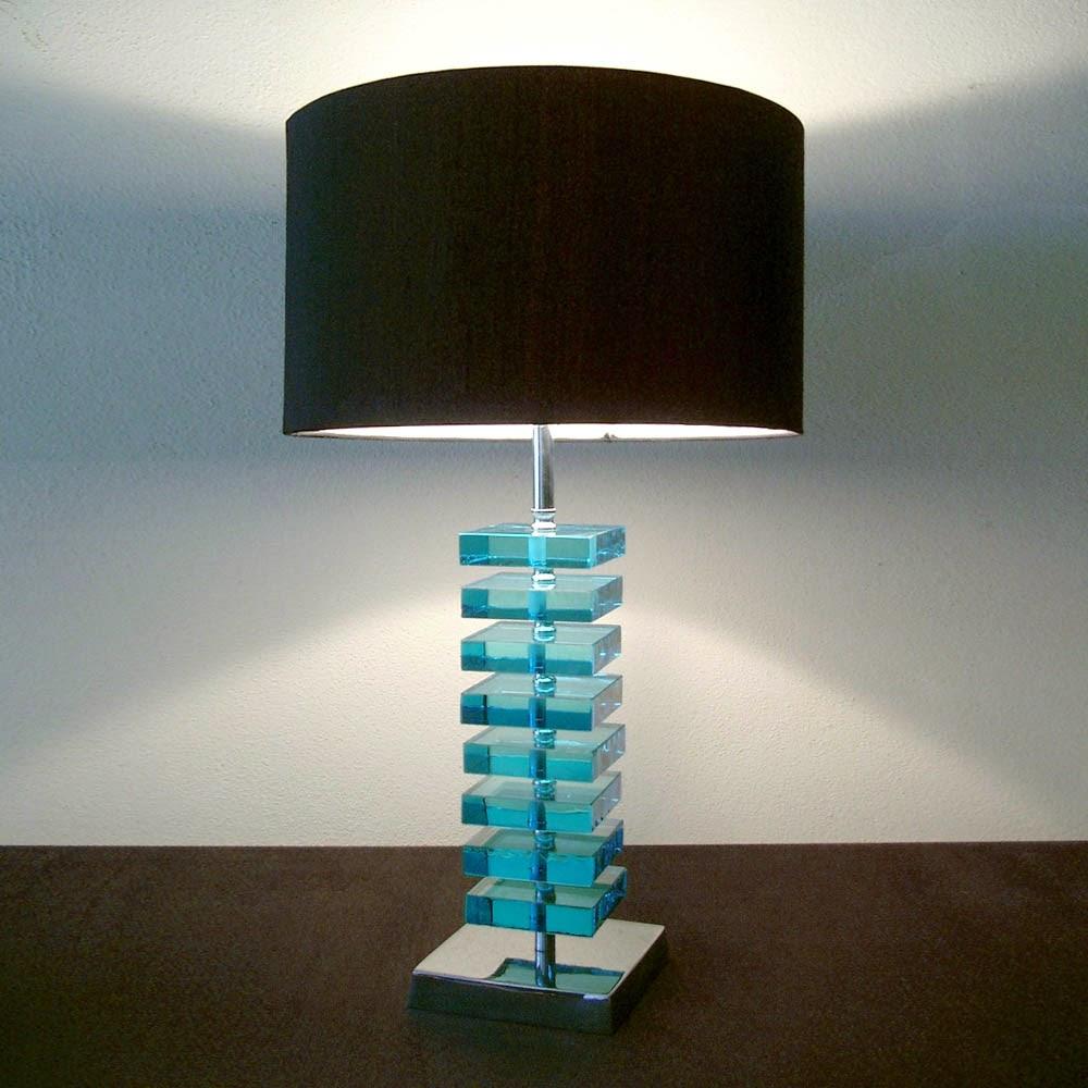 tischleuchten aus glas und kristall blaue tischleuchte aus glas squares. Black Bedroom Furniture Sets. Home Design Ideas