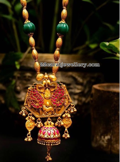 Beads Necklace with Kundan Lockets