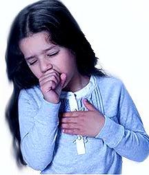 Foto de una pequeña con tos o toceando
