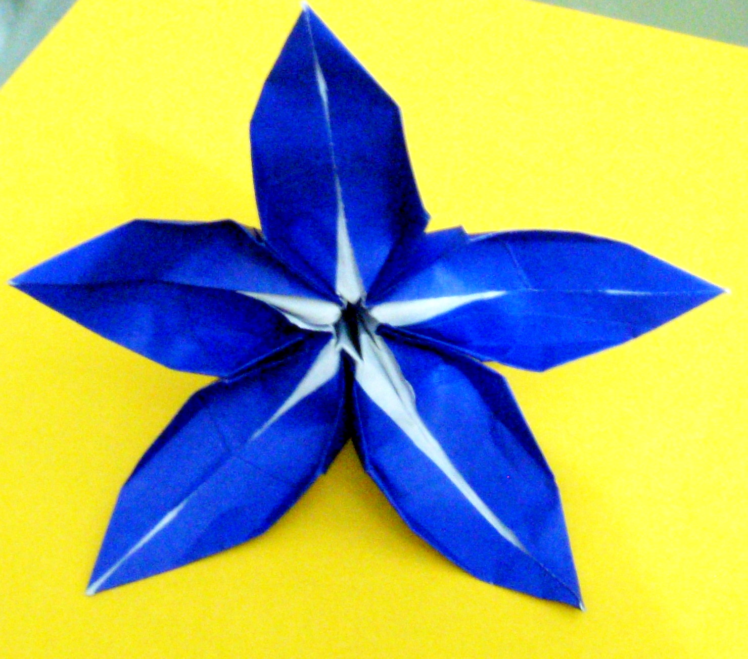 Origami: Origami five petal lily - photo#31