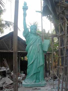 foto patung liberty fiber