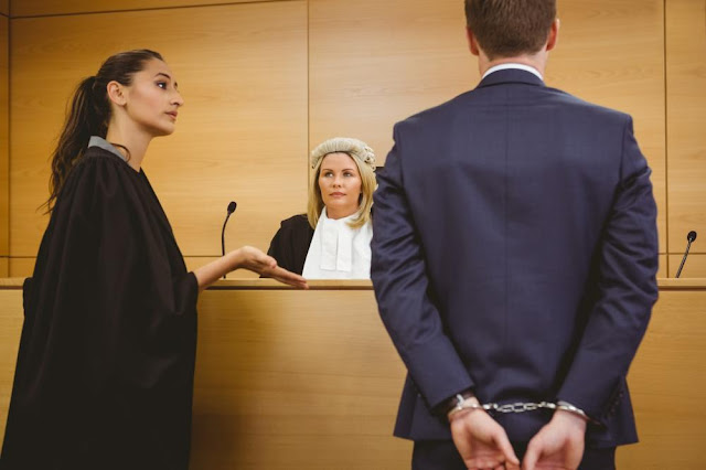 كيف يفتتح المحامي المرافعة القضائية بنجاح