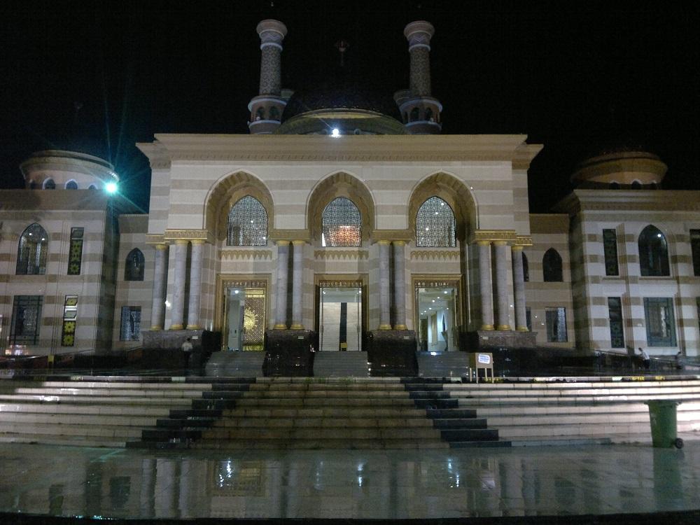 Megah dan Damainya Masjid Agung Al Aqsa Klaten