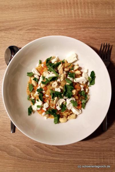 Curry-Karotten-Risotto mit Cashewkernen und Feta, Essen für Kleinkinder