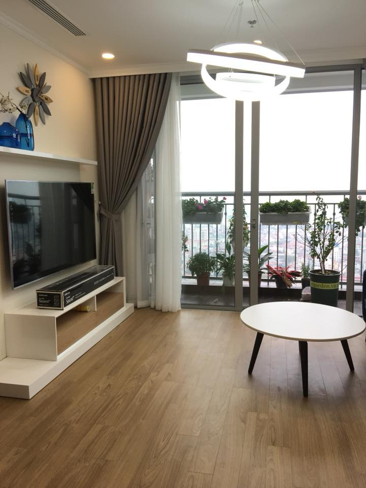 Ban công nhìn từ phòng khách căn hộ 66m2 tòa HH03 - B1.3 Thanh Hà