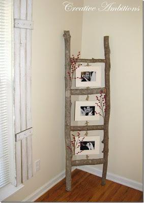 Escada em madeira rústica como galeria para fotos