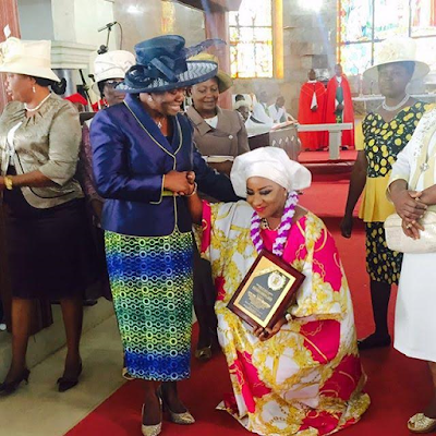 actress Mide Funm recieved posthumous award for her late mom Oluwafunmilayo Flourence Anike Martins 111