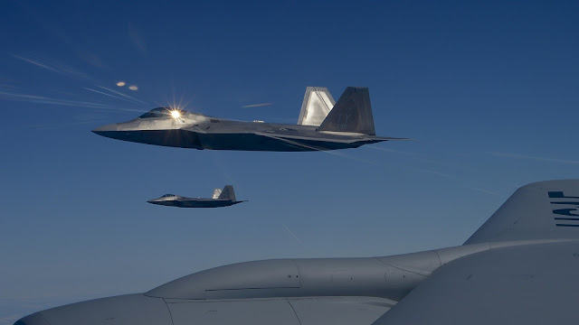 Download Full HD Wallpaper of Lockheed Martin F-22 Raptor Wallpapers-3