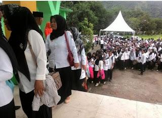 gambar Guru Honorer di Sulawesi Selatan Dapat SK Bupati