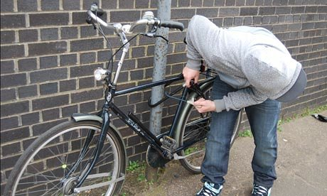 दो साईकिल चोर गिरफ्तार