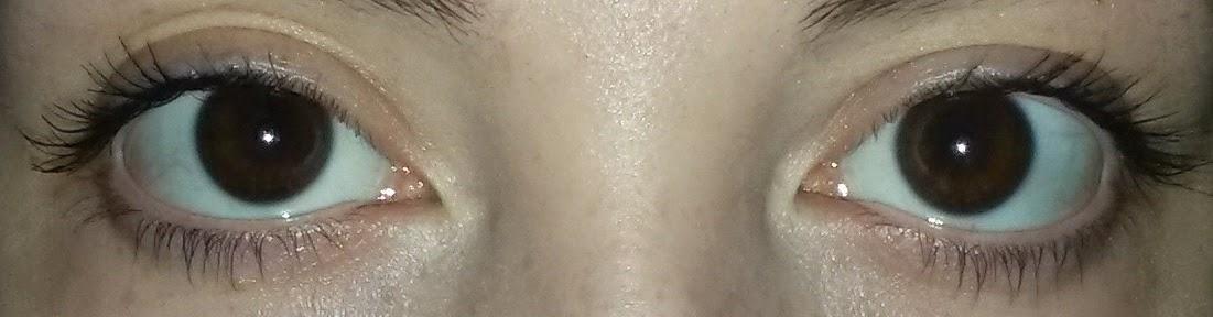 swatch mascara Balconnet de cils noir Etam