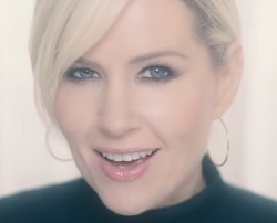 Dido no clipe de Give You Up