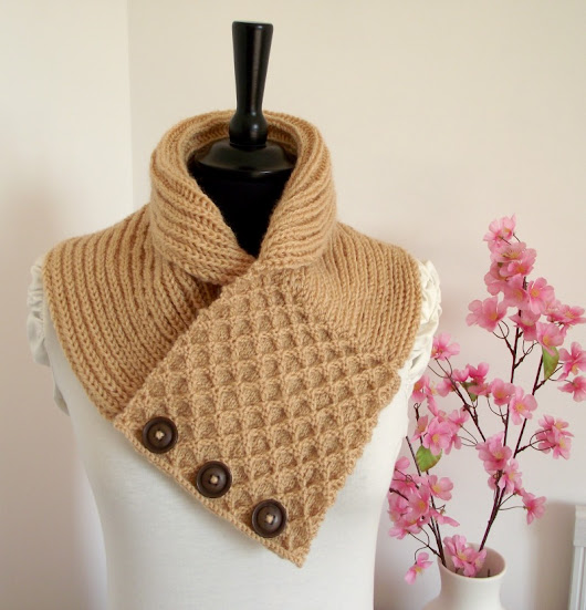 Knit Honey Waffle Cowl, you will love it!
