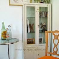 Comprar vitrina de consulta de médico antigua. Estantería vintage y vitrinas antiguas de doctor en valencia
