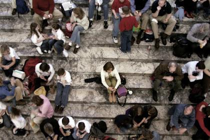 Bagaimana Cara Agar Bisa berhenti merasa Malu, Rendah Diri dan Tak Berani Bicara?