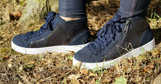 Comfortable Walking with VIONIC's Torri High-top Trainers