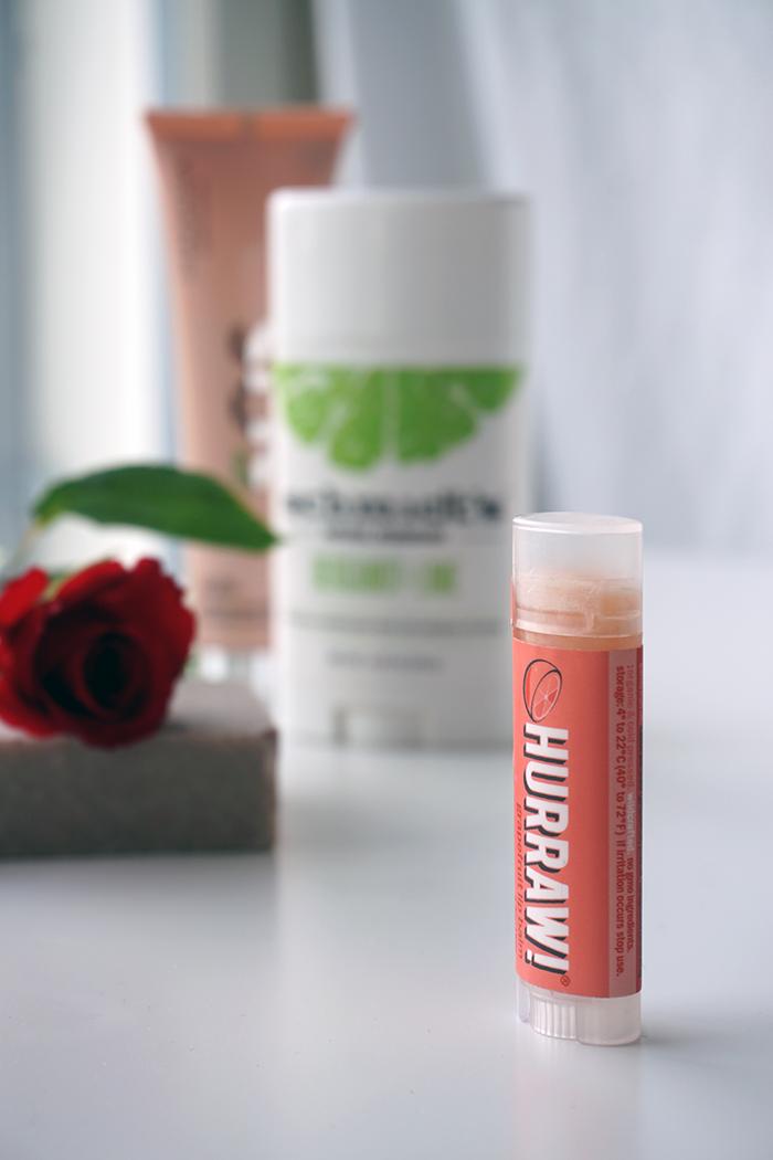 hurraw huulivoide greippi vegaaninen luonnonkosmetiikka