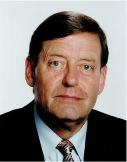 Biografi Friedhelm Hillebrand penemu SMS ,