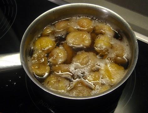 elaboración de las castañas en almíbar