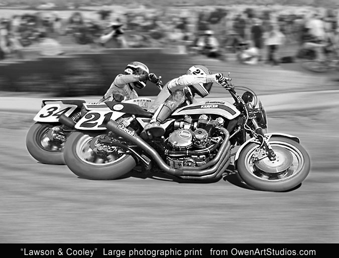 Eddie Lawson racing Wes Cooley in AMA Superbike action. Kawasaki KZ 1000-S1 and Suzuki GS 1000. Early 1980s.