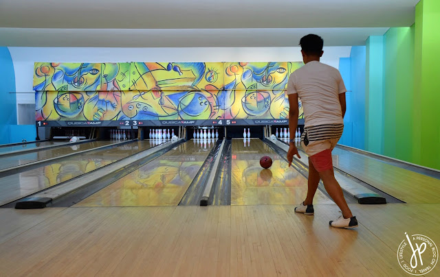 bowling lanes, man playing bowling