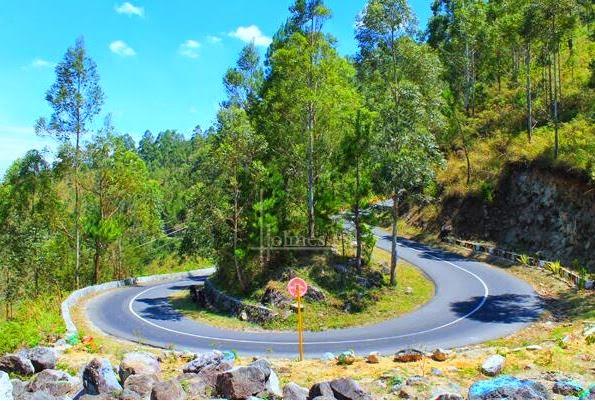 View Danau Toba Dari Menara Pandang Tele  Pariwisata Sumut