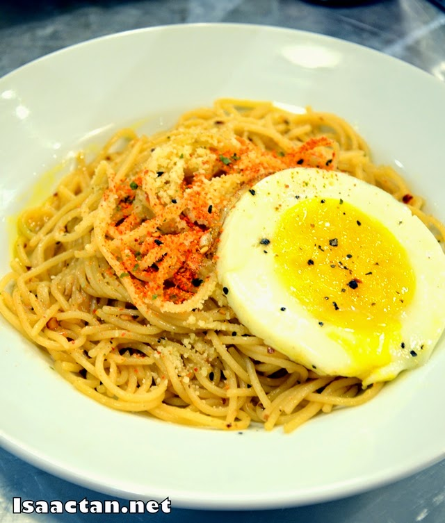 #8 Chili Olio with Egg - RM8