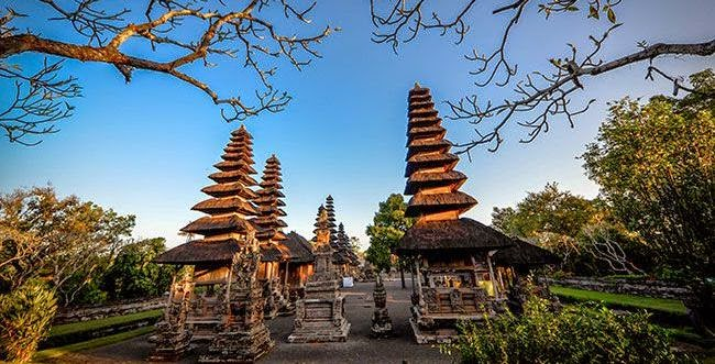 Bali is a province of Republic of Indonesia which is located betwixt the islands of Java together with Lombok is Bali: History About The Island Of Gods