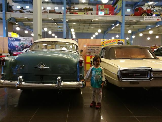Liburan bersama anak ke museum angkut