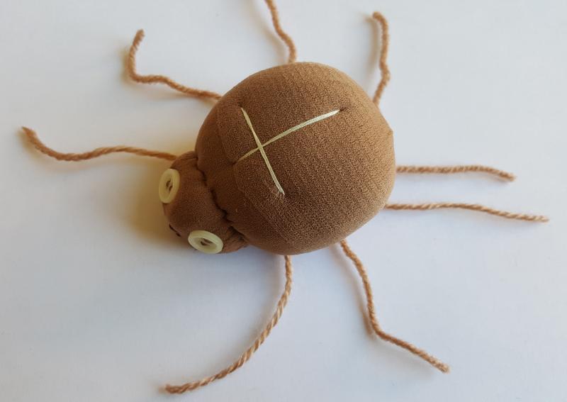 Tvoříme s dětmi: Jak vyrobit pavouka na čarodějnický nebo