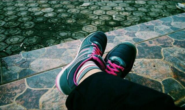 Sepatu jogging joging