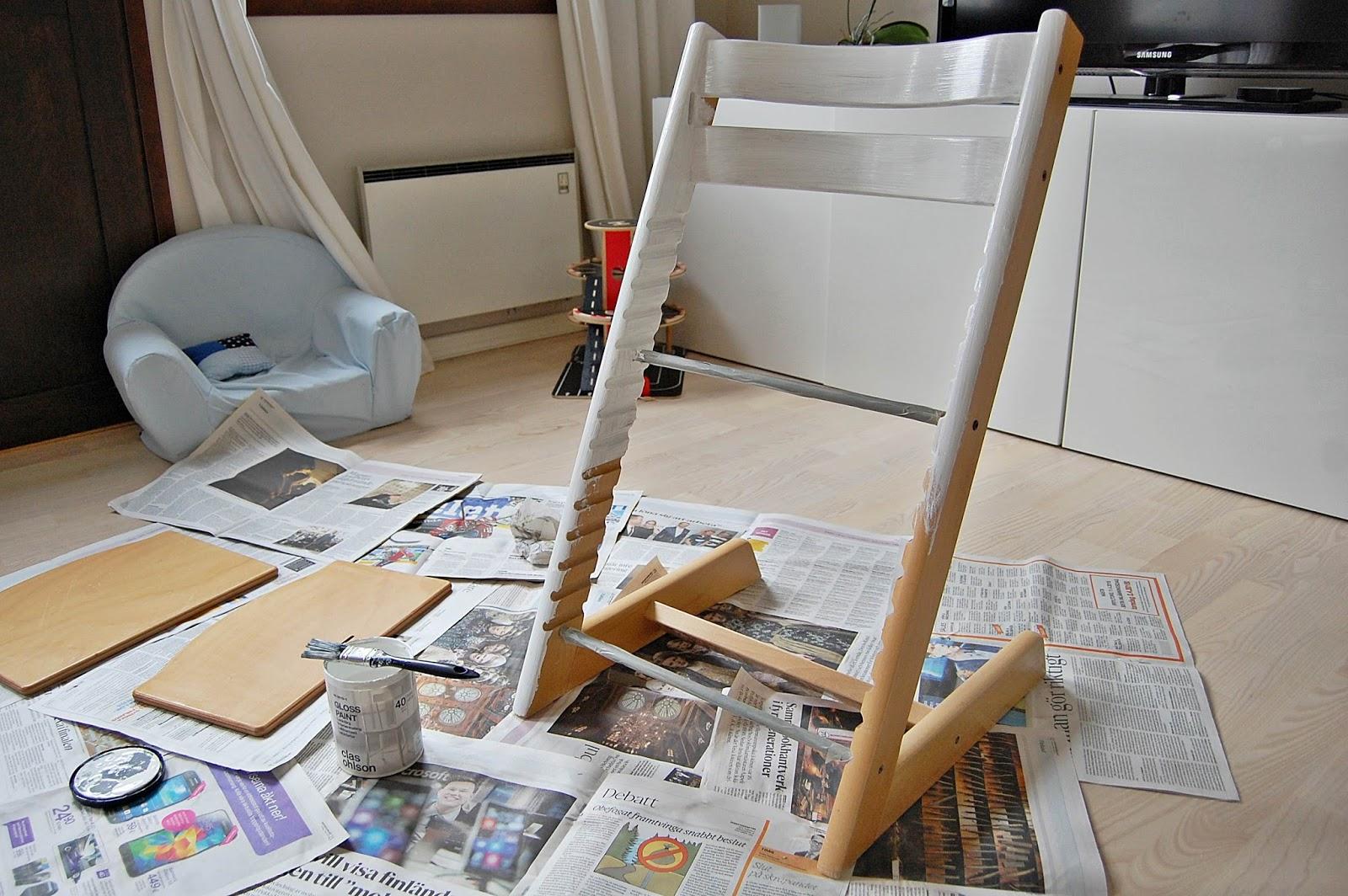 lilla hanna i stora världen: att måla en tripp trapp stol
