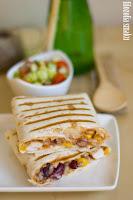 (Burrito z ryżem i salsa picante