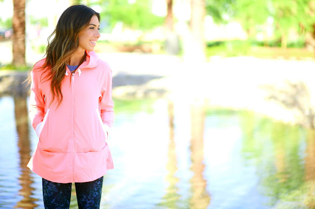 lululemon-sun-showers-jacket grapefruit