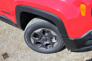 Jeep Renegade Sport's 215/65/16 tires