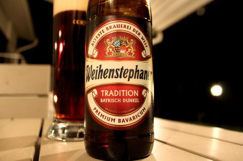 OLUTKELLARI Weihenstephaner Tradition Bayrisch Dunkel