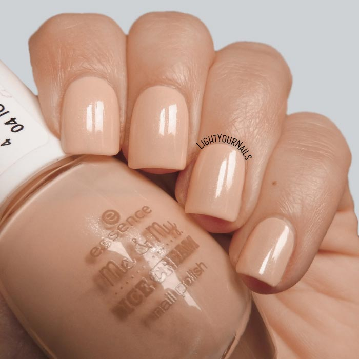 Smalto color pesca Essence Icylicious collezione Me & My Ice Cream peach colored nail polish