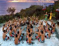 Keunikan-Sejarah-Kesenian-Budaya-Tari-kecak-Bali-Tarian-kecak-Tradisional-Asli-Indonesia