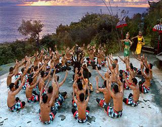 Sejarah Kesenian Tari kecak dan Gerakan Tarian kecak Tradisional Bali Tempat Wisata Sejarah Kesenian Tari kecak dan Gerakan Tarian kecak Tradisional Bali