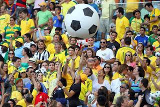 Jogo da Seleção Brasileira modifica expediente em repartições e comércios
