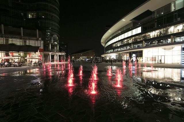 Unicredit-Piazza Gae Aulenti-Milano