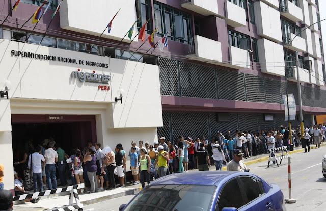 Perú entregará permiso provisional de trabajo a venezolanos que tramitan el PTP