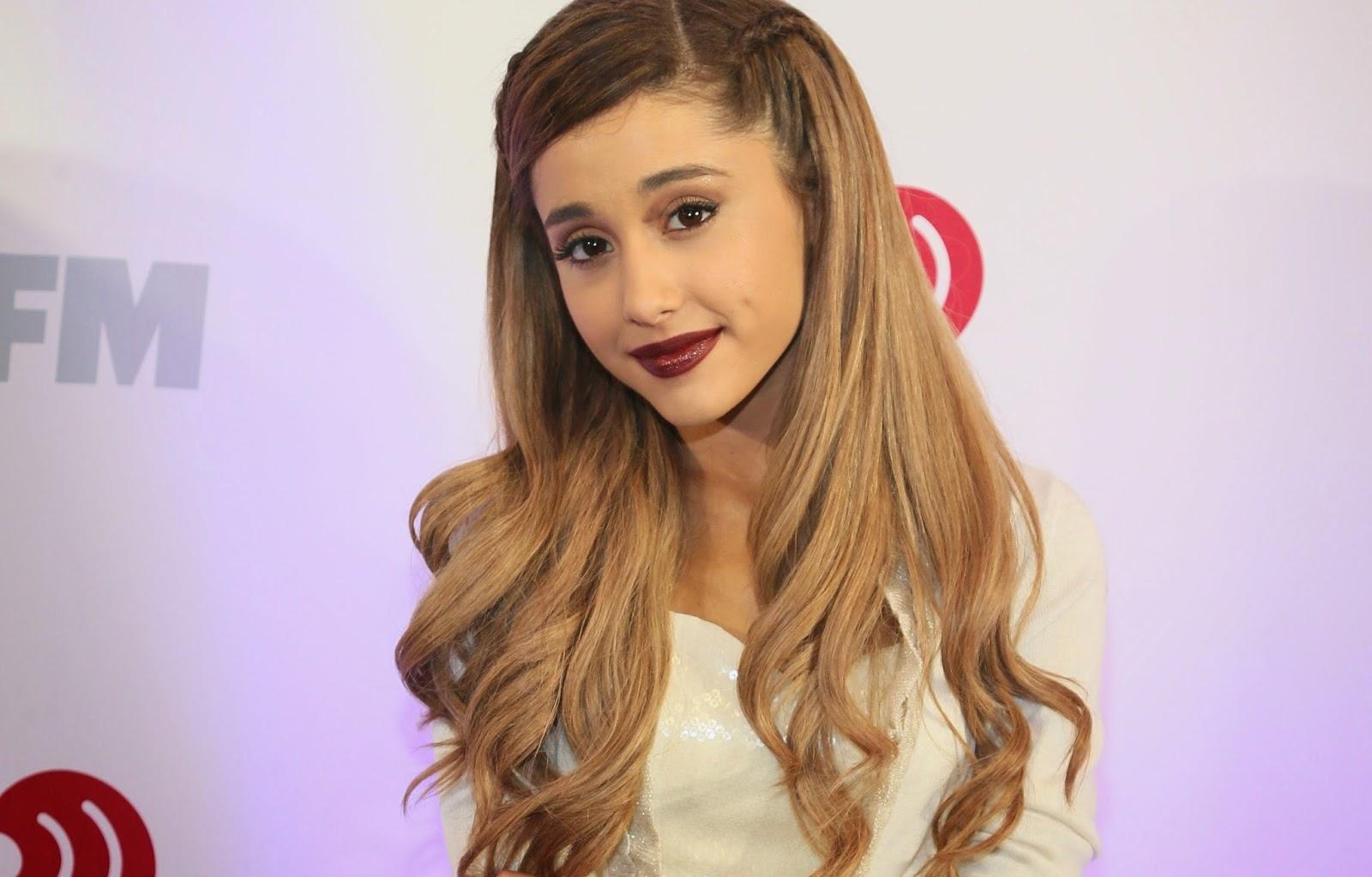 Ariana Grande Desktop Wallpaper