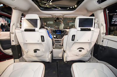 Chrysler Pacifica interior image