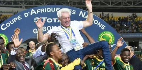 """Hugo Broos aux joueurs qui ont boudé la tanière: """"je ne prendrai pas contact avec eux..."""""""