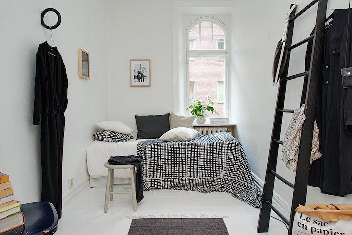 dormitorio con escalerilla